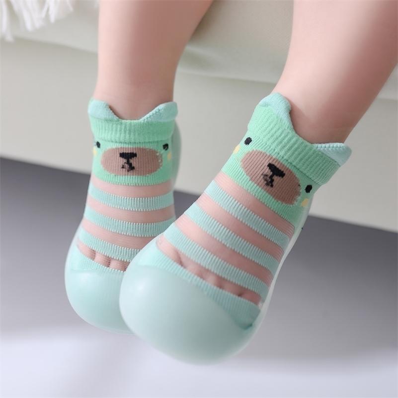 Chaussures bébé Chaussettes Été Cute Animal Style Bébé Accueil Chaussettes de sol antidérapant Soft Caoutchouc Baby Toddler Chaussures LJ201214