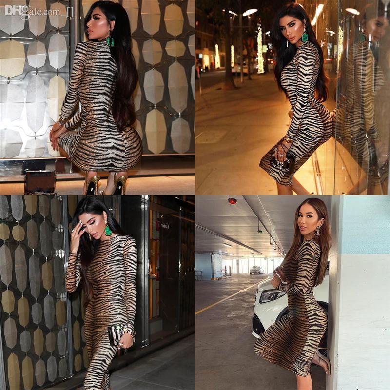 Uqon2 Vestidos de Noite Verde Vestidos Floral Applique Sereia Swew Train Sheer Pescoço Feito Corpo Jewel Beaded Illusion Kim Kardashian Sexy Vestido Vermelho