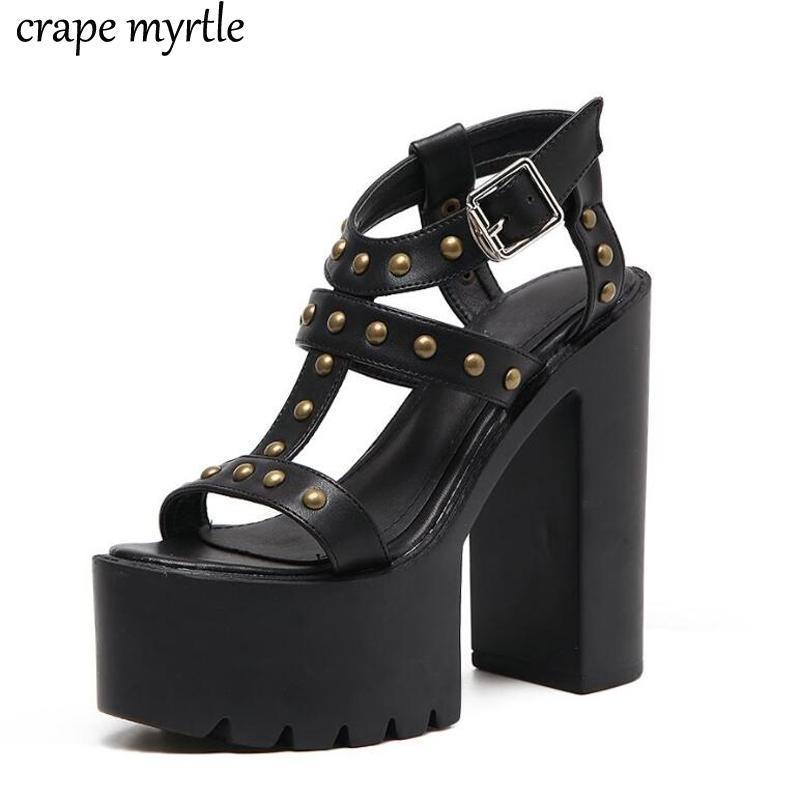Zapatos de vestir sexy Rivet Sandalia de verano para mujeres negro blanco Boda mujer tobillo correa gladiador sandalias femenino party sólido yma743