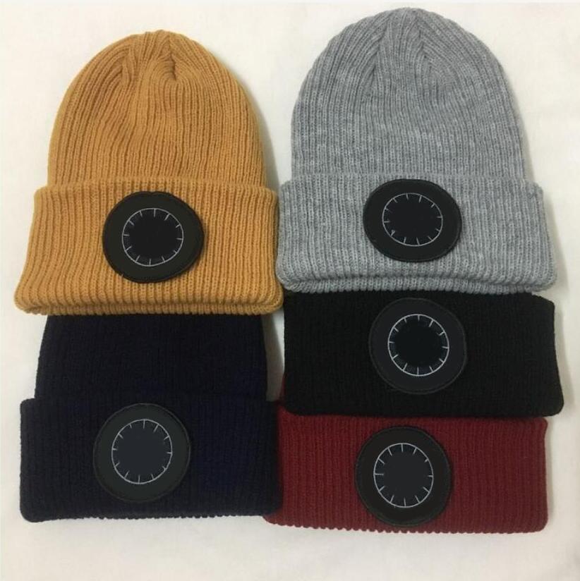 Fashional Unisex ricamo primavera inverno designer hip hop casual lana cap all'aperto uomini donna maglia cappello uomo all'aperto warm woey women cap
