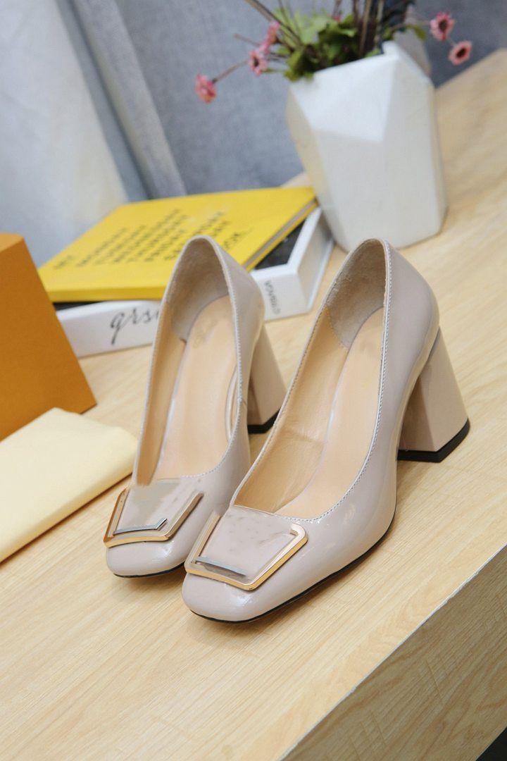 Louis vuitton O novo 2021 vestido Shoes Party Office Universal High Saltos Moda Versátil Senhoras Sapatos Luxo Designer Design 2erTre
