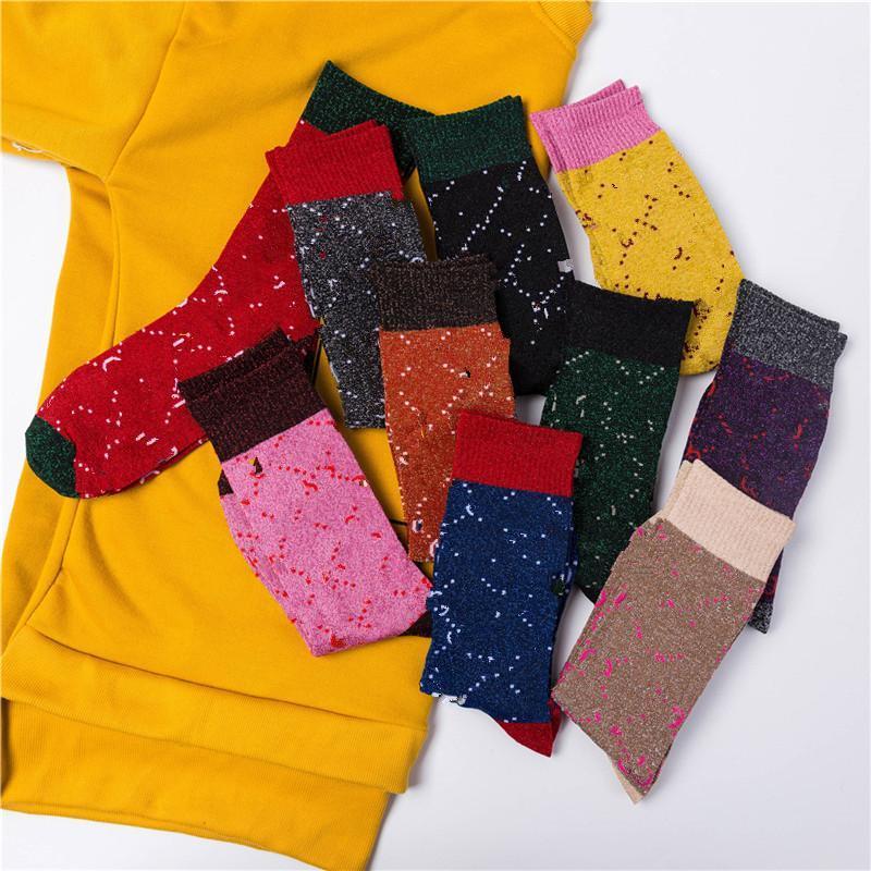 Calze di stile popolare Lettera di modo femminile Lettera alta calze di cotone Personalità Tinselgold Socks Mostra calze di pila universitaria stile sottile