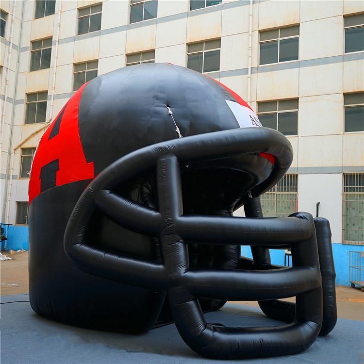 Capacete inflável preto do Balão do capacete de futebol do gigante de Szie personalizado para o jogo do esporte do túnel do jogo do futebol