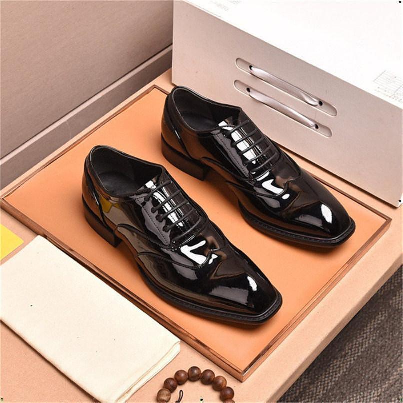Classic Business Hommes's Robe Chaussures Mode élégante Chaussures de mariage formels Designer Hommes Slip sur Office Oxford Chaussures pour hommes Noir Plus 38-45