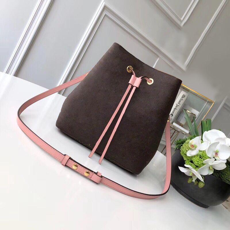 2020 Nueva Moda 26 cm de calidad de la calidad de la calidad de la calidad de la moda de cuero genuino Mujeres Neonoe Bolsa de hombro Classic letra Crossbody Bag Free Shipin