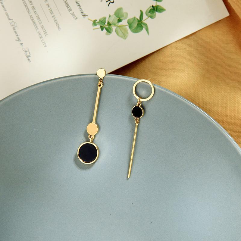 Jóias e Acessórios BALANBIU assimétrica brincos para mulheres Único Round Black acrílico da cor do ouro liga Brincos Moda