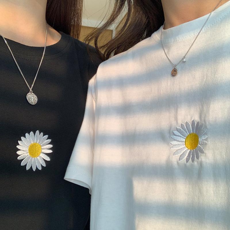 Tshirt Ropa de verano femenina Daisy Bordado de algodón de algodón Camiseta de manga corta para mujer Tops Coreano Ulzzang Harajuku T Shirt F1225