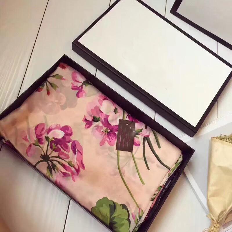 상자와 함께. 도매 - 유명한 스타일 디자이너 여성 실크 스카프 여성 단단한 색상 부드러운 패션 목도리 우아한 여성 실크 스카프 광장
