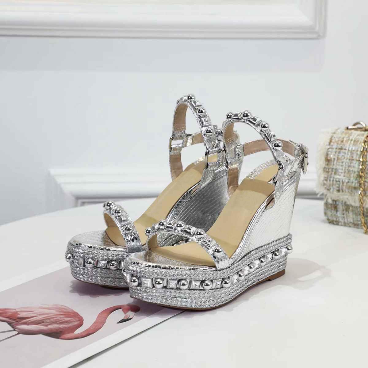2021 Marque Femmes Pompes Chaussures de mariage Femme Haute High Heels Sandal Nu Fashion Bretelles Chaussures Chaussures Chaussures Sexy High Heels Chaussures de mariée avec boîte