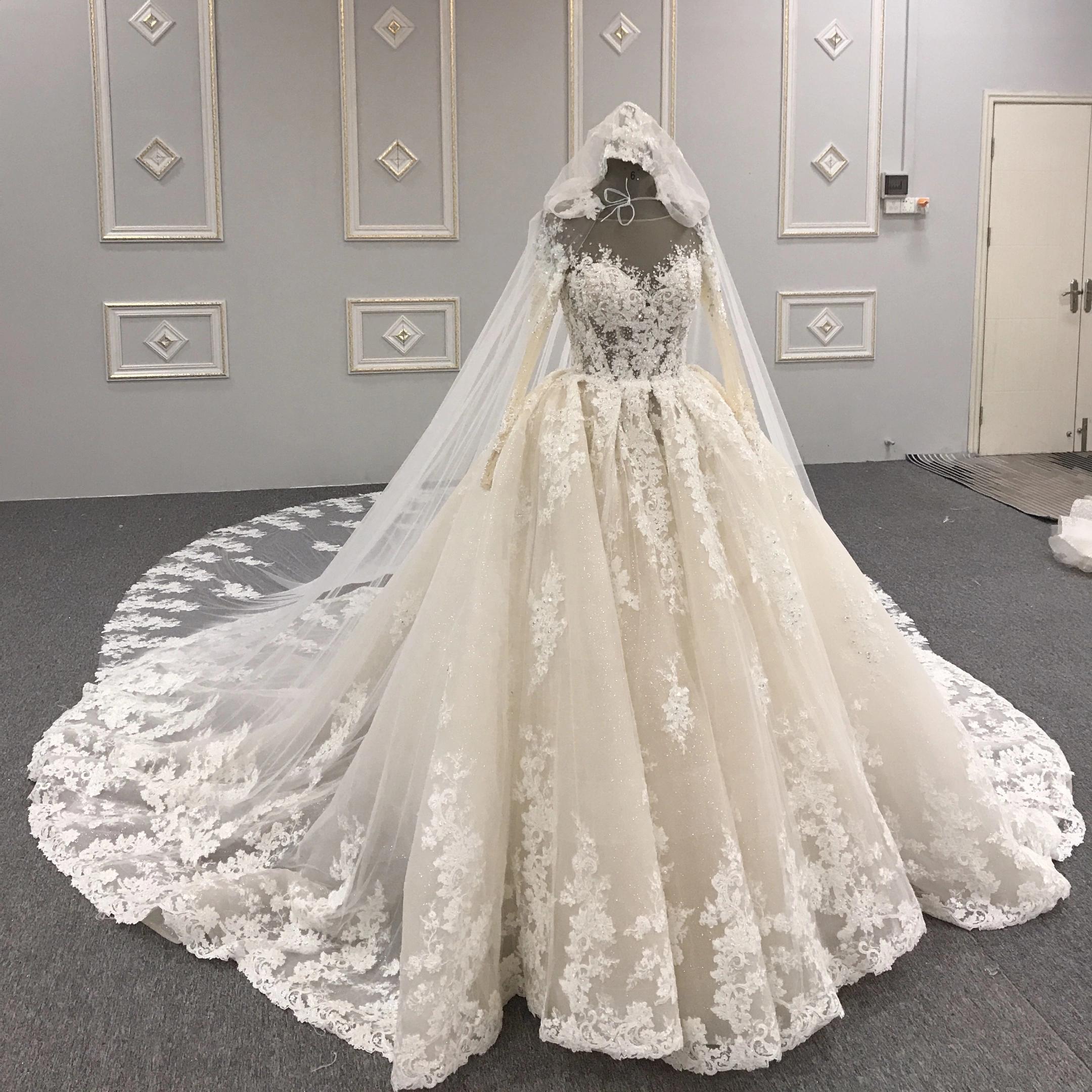 Echtes Foto 2021 Spitze Brautkleider Wunderschöne Bling Bling Kristall Lange Ärmel Dubai Brautkleider Appliqued v Zurück Vor langer Gericht Zug Royal