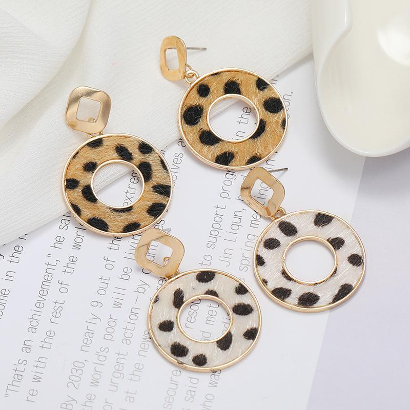 Popular Earrings Autumn and Winter Personalized Suede Leopard Circle Pierced Geometric Earrings Womens Fashion Trendy Earrings