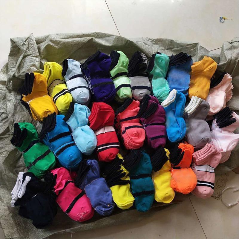 Mode Rosa Schwarze Socken Erwachsene Baumwolle Heiße kurze Knöchelsocken Sport Basketball Fußball Teenager Cheerleader Sysle Mädchen Frauen Socke mit Tags