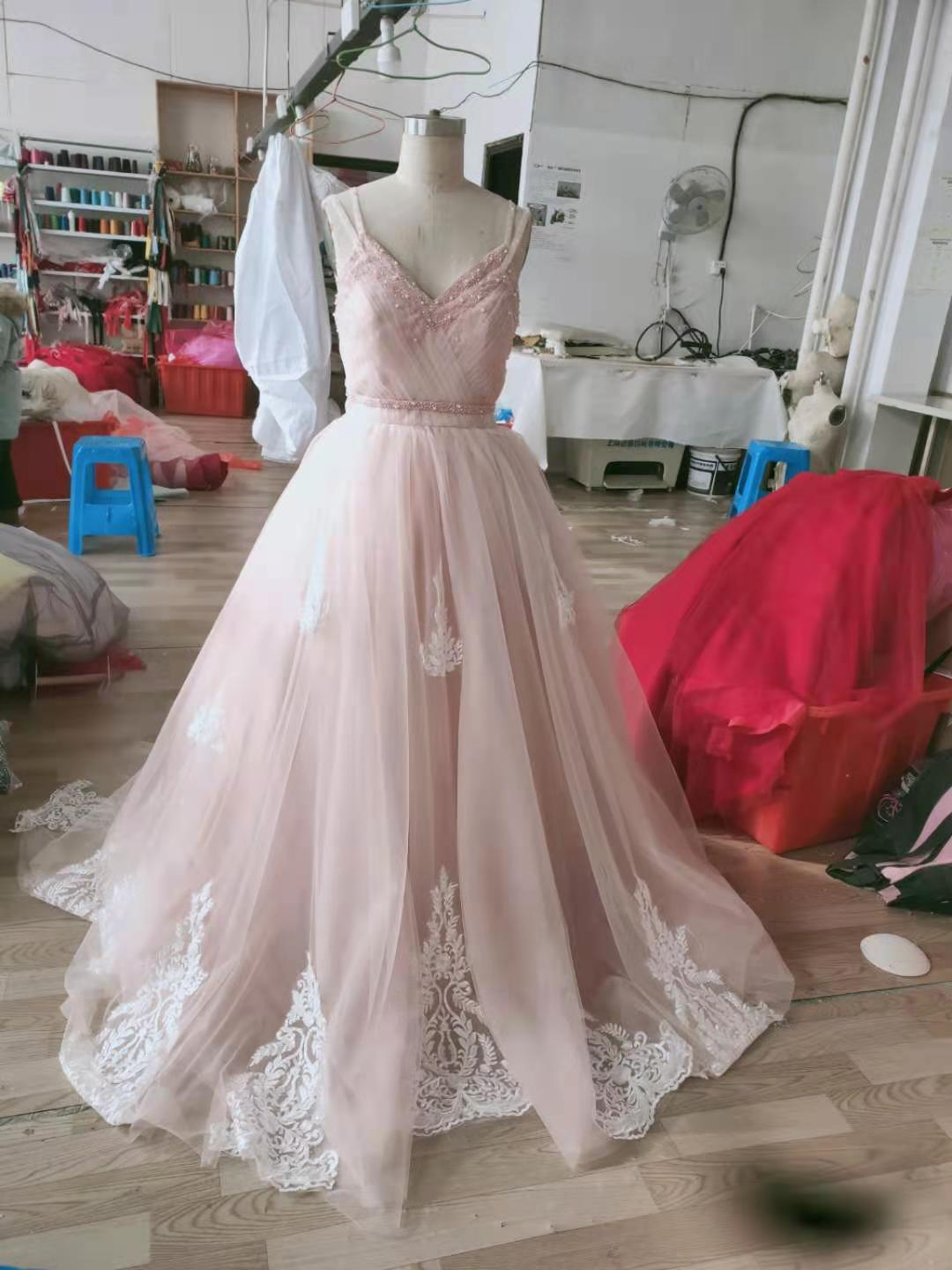 Real Photos Spaghetti Straps Ball Gown Tulle Pink Wedding Dresses with White Lace Appliques Beaded Wedding Gowns vestidos de novia