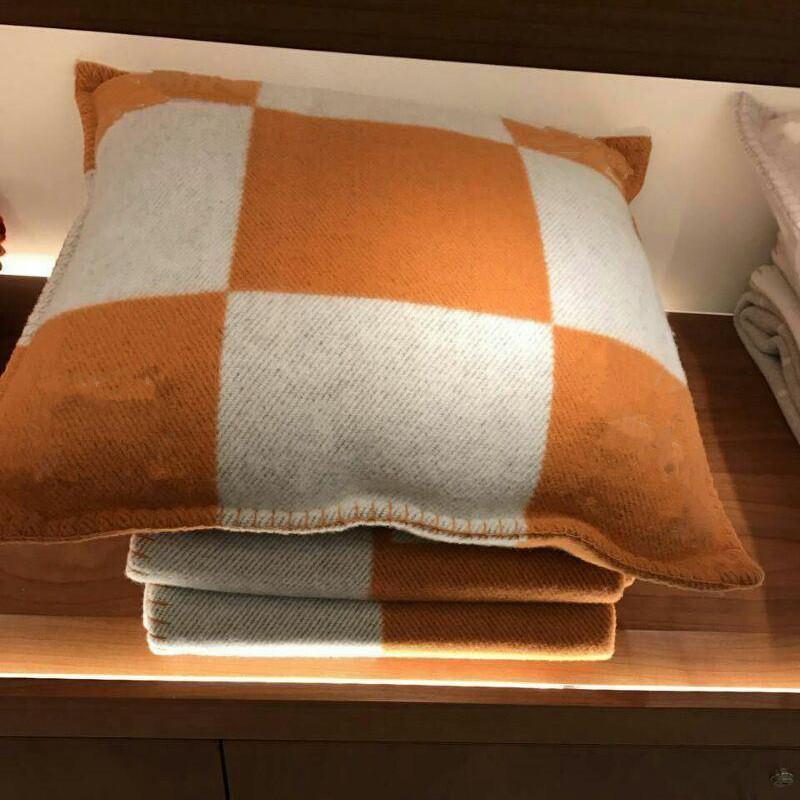 Letter Cashmere Coperta e cuscini Custodi all'uncinetto Soft Soft Sofà Plaid Plaid Sofa in pile Tricottato Coperte coperte