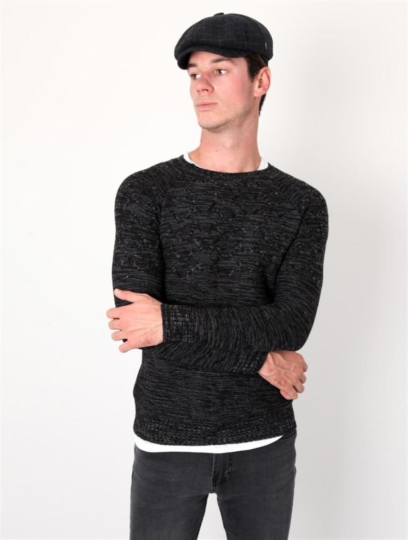 Moto Patrón Cuello Negro para hombre de suéter