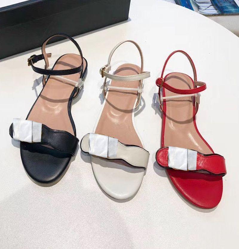 여성 더블 골든 플랫 샌들 탑 진짜 가죽 샌들 디자이너 신발 하드웨어 발목 스트랩 샌들 드레스 결혼식 신발 상자 261