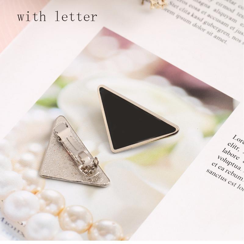 Neue Ankunft Metall Dreieck Haarclip Frauen Brief Dreieck Barrettes Mode Haarschmuck Für Geschenk Party
