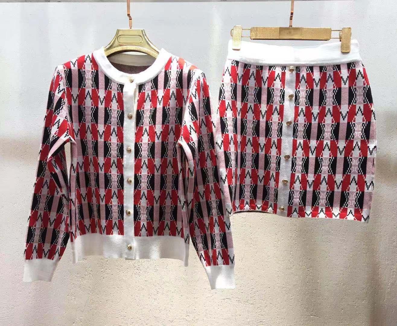 2020 Envío Gratis Marca Mismo Estilo Conjuntos Dos Piezas Vestido Suéter Manga Larga Cuello Personal Kint Qian