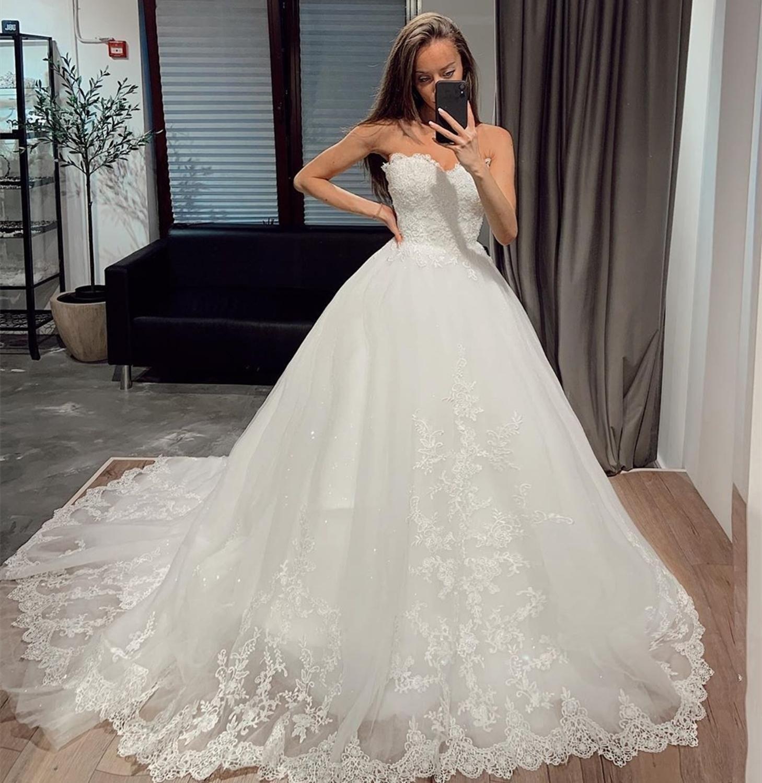 Robe de mariée en dentelle en dentelle sans bretelles sur mesure avec Applqious Court Train Dacette Back Robes de mariée Vestidos de Novia