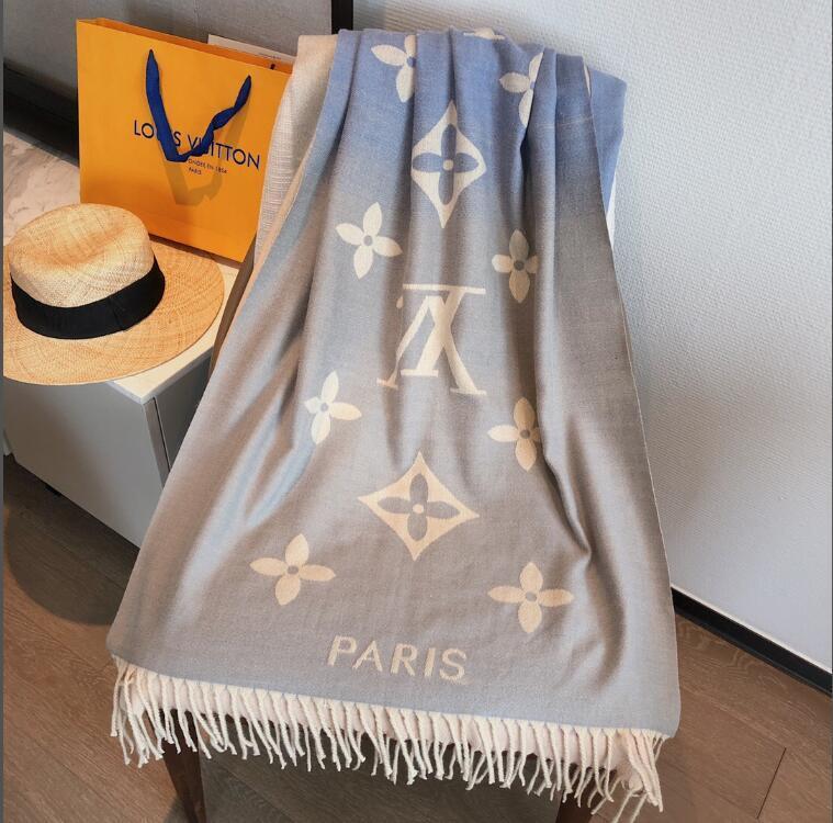 2020 Nueva bufanda de seda mujeres de la alta Italia Marca de flores de seda bufandas bufanda ScarfsInfinity Mujeres Chales cubierta del bikini