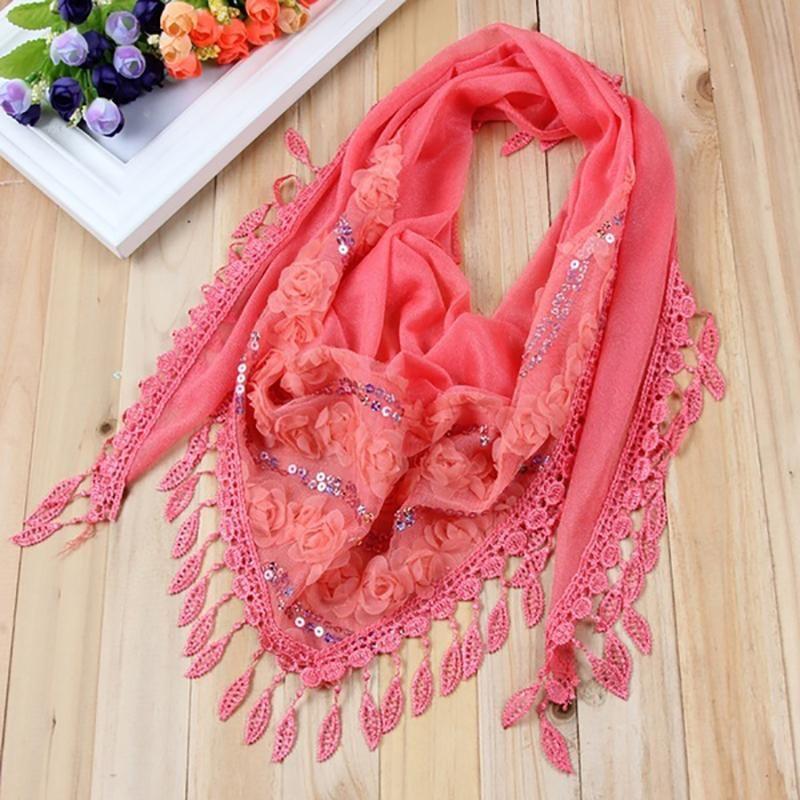 1pc Nueva moda femenina mujer tasel chales y bufandas otoño seda flor de encaje triángulo colgante bufanda moda bufanda