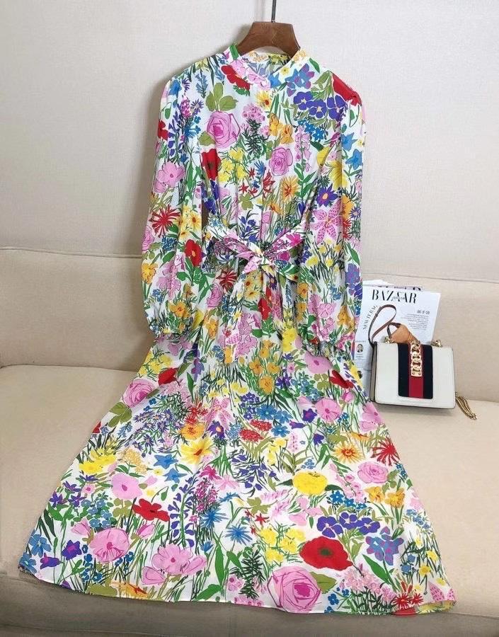 2021 printemps nouvelle mode décolleté ronde minceur maillot à manches longues jupe floral jupe élégante robe robe robe