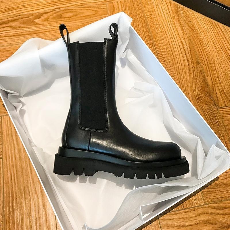 Invierno Nuevo Hot Brand Women's Boots Martens Zapatos de cuero Cálido Motocicleta Hombre Tobillo Bota Martins Piel Oxfords Oxfords Zapatos Tallas grandes