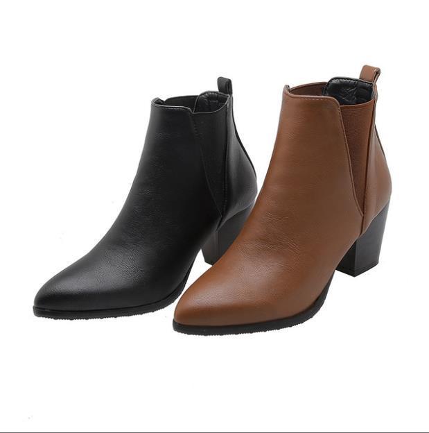 Marca Nueva Moda Botas negras Botas de tobillo High Spike Heels Office Lady Shoes más Big Pequeño