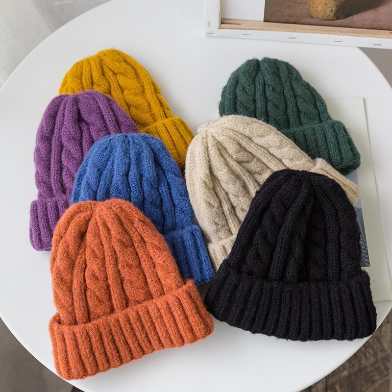 Novos Cores Doces Cores De Malha Chapéus Para Mulheres Kpop Style Twist Beanie Beanie Beanie Outono e Inverno Boné Feminino Mantenha o chapéu de inverno quente