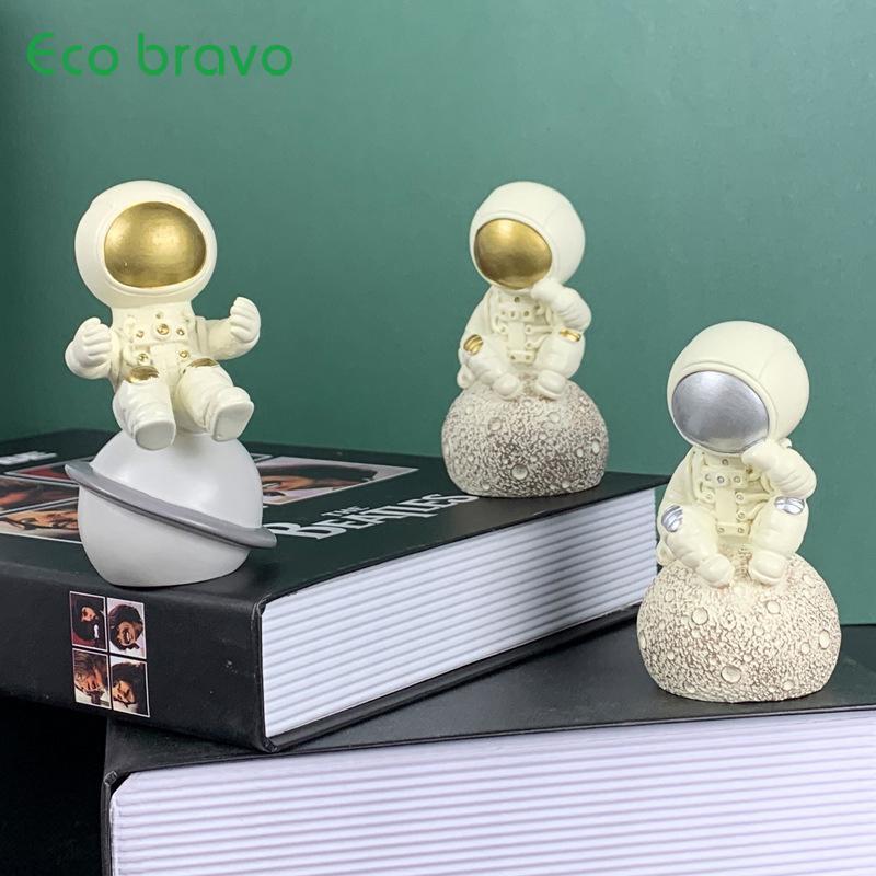 Ecobravo Nordic Modern Minyatür Heykel Astronot Süsler Reçine El Sanatları Ev Dekorasyon Aksesuarları Ofis Masaüstü Süsler