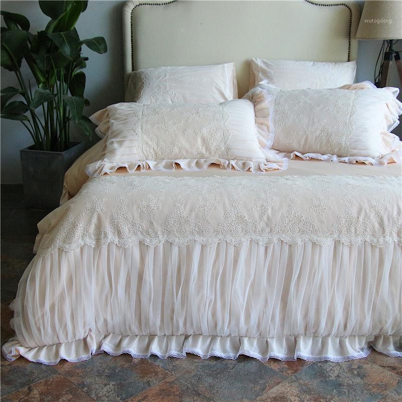 4 unids Egipto Algodón Satin Princess PRINCESS LOACE Juego de ropa de cama Bordado First Love Duvet Funda Juego Falda de cama Falda Pillowcases Queen King size1