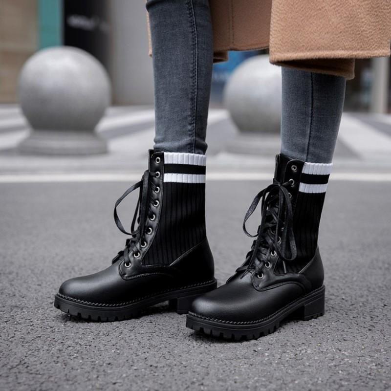 Ботинки 2021 платформа толщиной нижней нижней осени зимние женские туфли круглые носки квадратные каблуки на шнуровке носки лодыжки мотоциклов