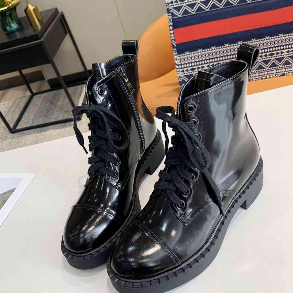 New Designer Classical Mujeres Cuero Biker Boots Mujeres Rockoko Botas Combate Motocycle Boots Negro Tela Stretch Toble Martin Boot Shoes