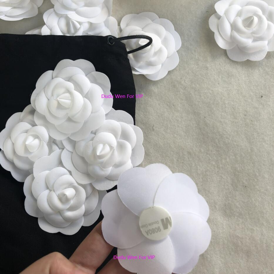 اللون الأبيض كاميليا DIY الجزء 8x8CM التصاق الذاتي الكاميليا زهرة عصا على كيس أو بطاقة ل c بوتيك التعبئة