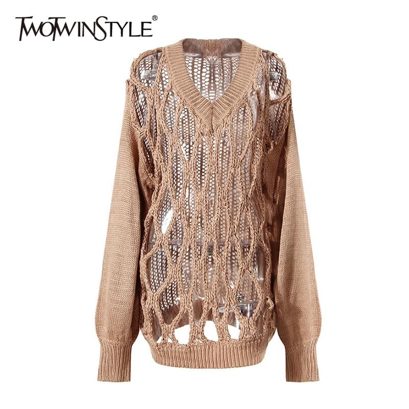 Twotwinstyle creux Sorfant Solid Sweater for Women V cou à manches longues Noir Casual Tinciting Pullovers Femme Fall Fashion Nouveau 201130