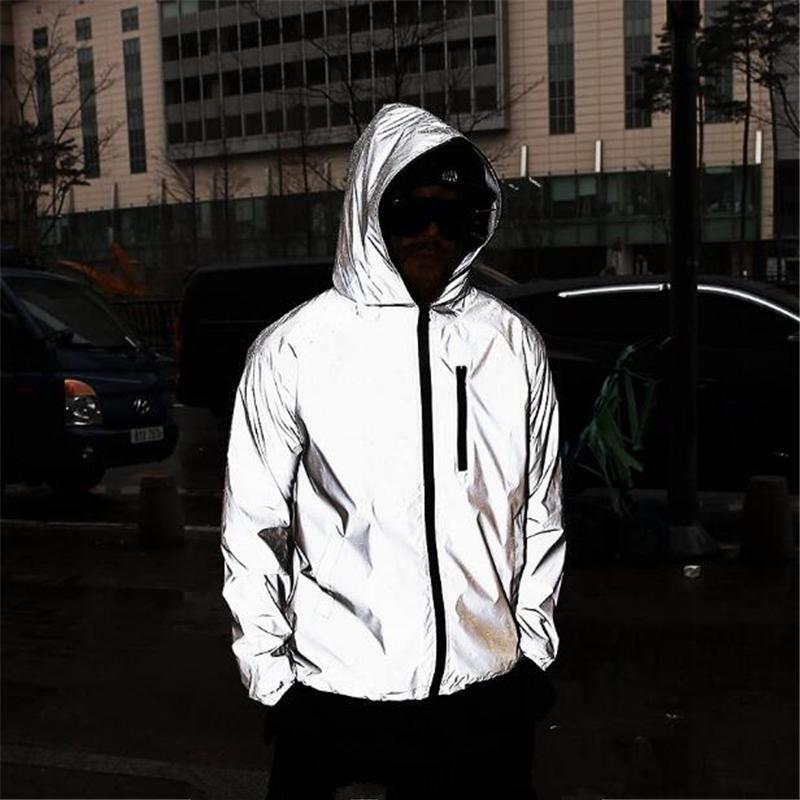 Yeni Erkekler Gece Parlak Tam Yansıtıcı Hip-Hop Kapşonlu Ceket Mens Harajuku Streetwear Gevşek Rüzgarlık Ceketler Artı Boyutu 4XL X1217