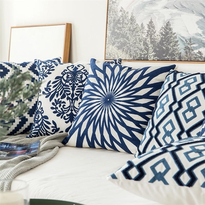 Home Decor Coussin brodé Coussin bleu marine / blanc Géométrique Floral Floral Toile Coton Suqare Broderie Couvercle 45x45cm LJ201216