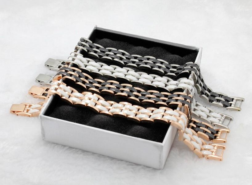 Europa América estilo de moda homens homens mulheres titânio gravado c letra única e dupla branca / preto cerâmico estreito / largo cadeia pulseira