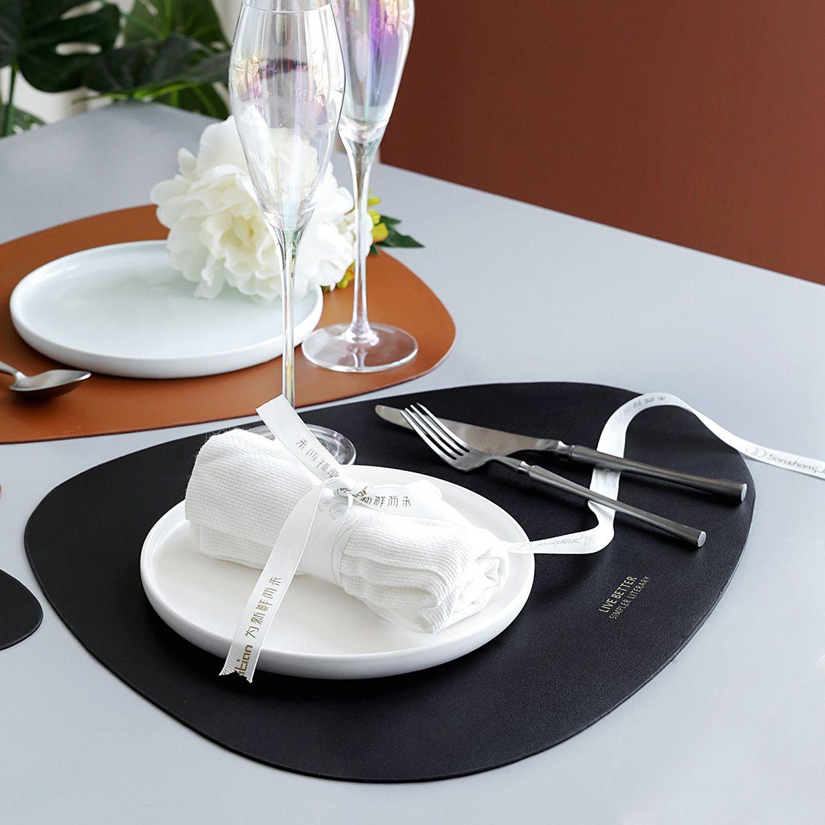 Sofra Pad Placemat Masa Mat PU Deri Isı Yalıtım Kaymaz Basit Placemats Disk Coaster Placemat Yemek Masası için CCA3300