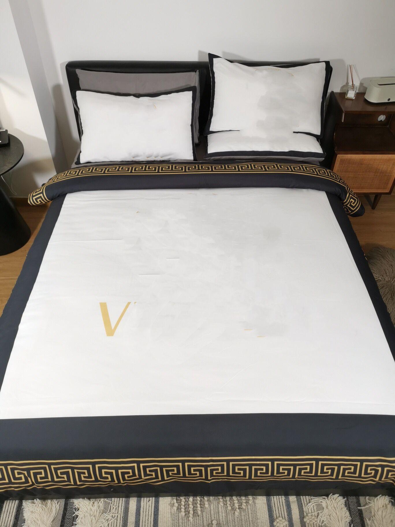 Literie de concepteur blanc Ensembles Duvet Cover Motif autour de Queen Taille Designer Literie 4 PCS Set Couvercle de couette de luxe en soie