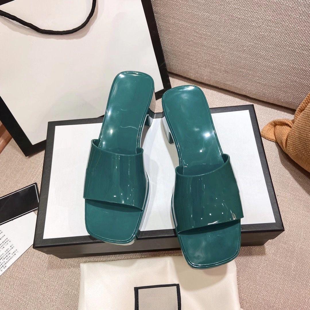 Europ Luxury Slide Summer Fashion Wide Flat Slippery con sandalias gruesas zapatillas zapatos de diseñador de mujer tacón