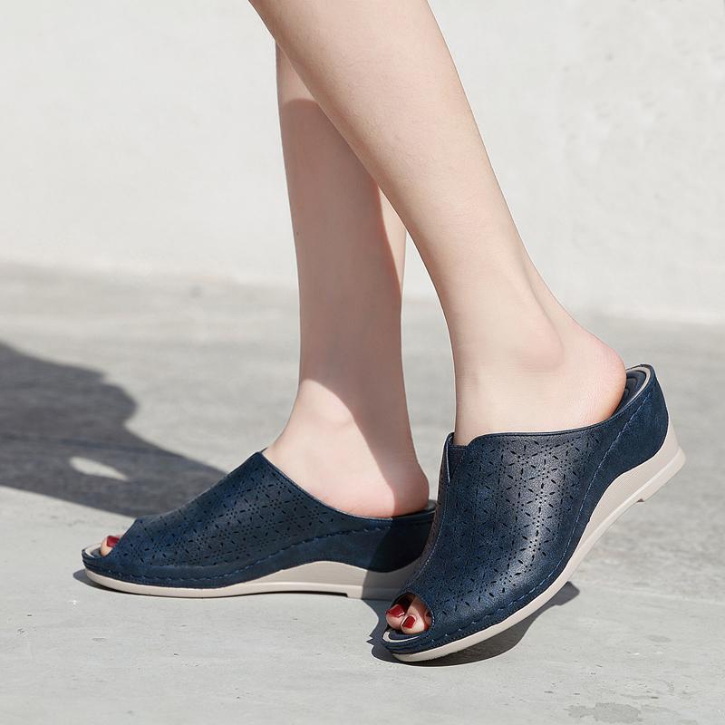Новое поступление 2020 женские клиновые тапочки скользкие скольжения Vantage PU кожаные шлепки Sandalia Feminina открытые носки нескользящие туфли женщин