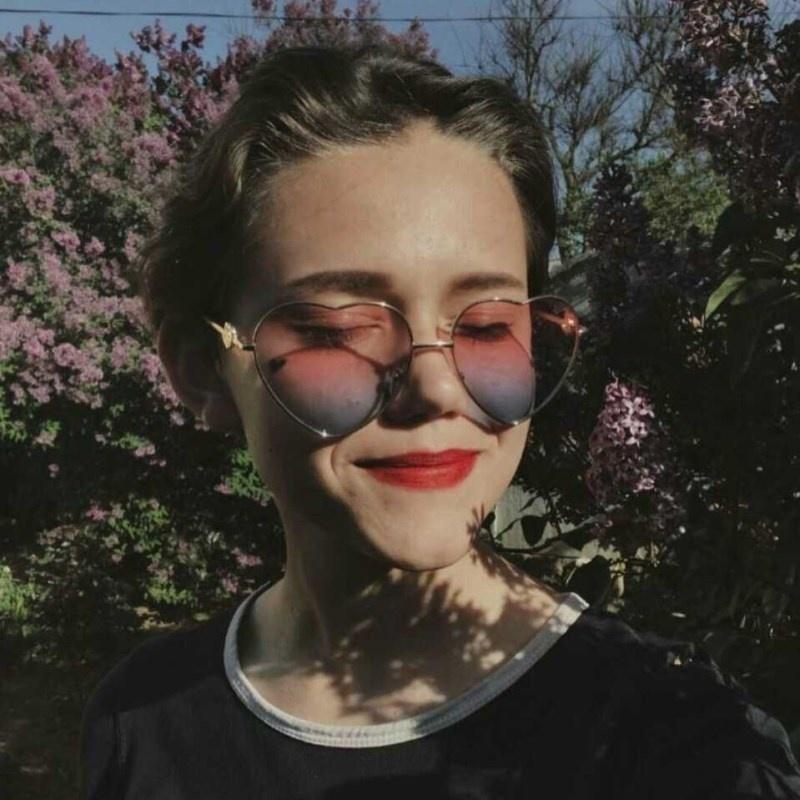 Vintage corazón diseñador gafas de sol espejo en forma de mujer con forma de metal rojo sol hombres degradado gafas lentes uv400 marca Qainw
