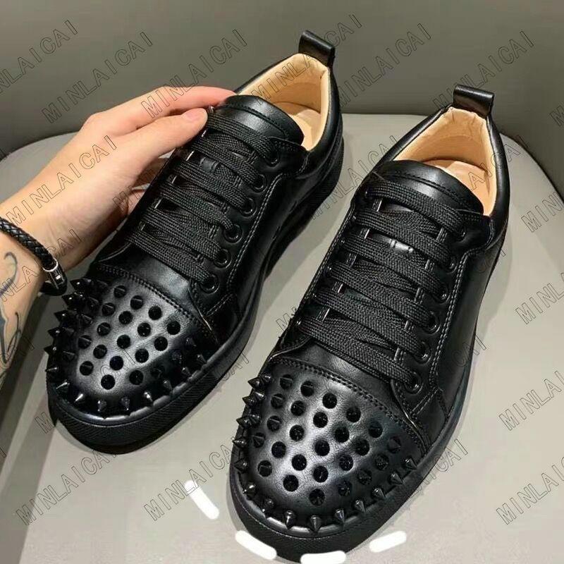 Designer Sneakers Niedrig geschnittene Wildleder Spike Note Spikes Schuhe Womens Luxurys Schuhe Party Hochzeit Kristall Leder Turnschuhe Rote Bottoms