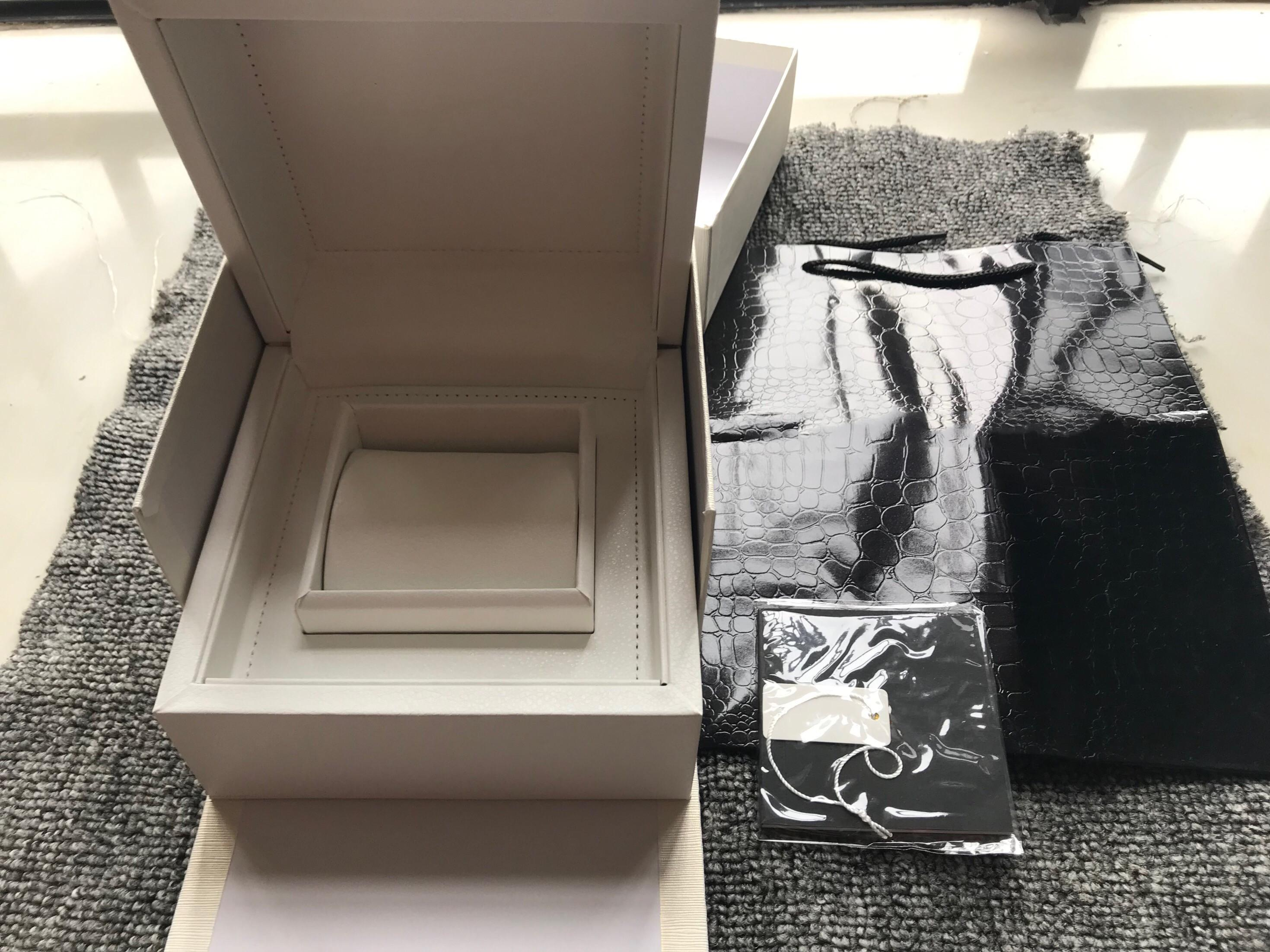 Orologi all'ingrosso Bianco scatola bianca Nuovo quadrato rosso scatola originale per la scatola dell'orologio con booklet card card e documenti in inglese di alta qualità