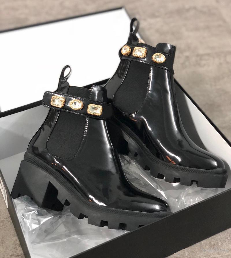 Designer Martin Boots Black Color Luxury Knöchelstiefel Designer Frauen Booties Highet Qualität Winter Booties Rutsch