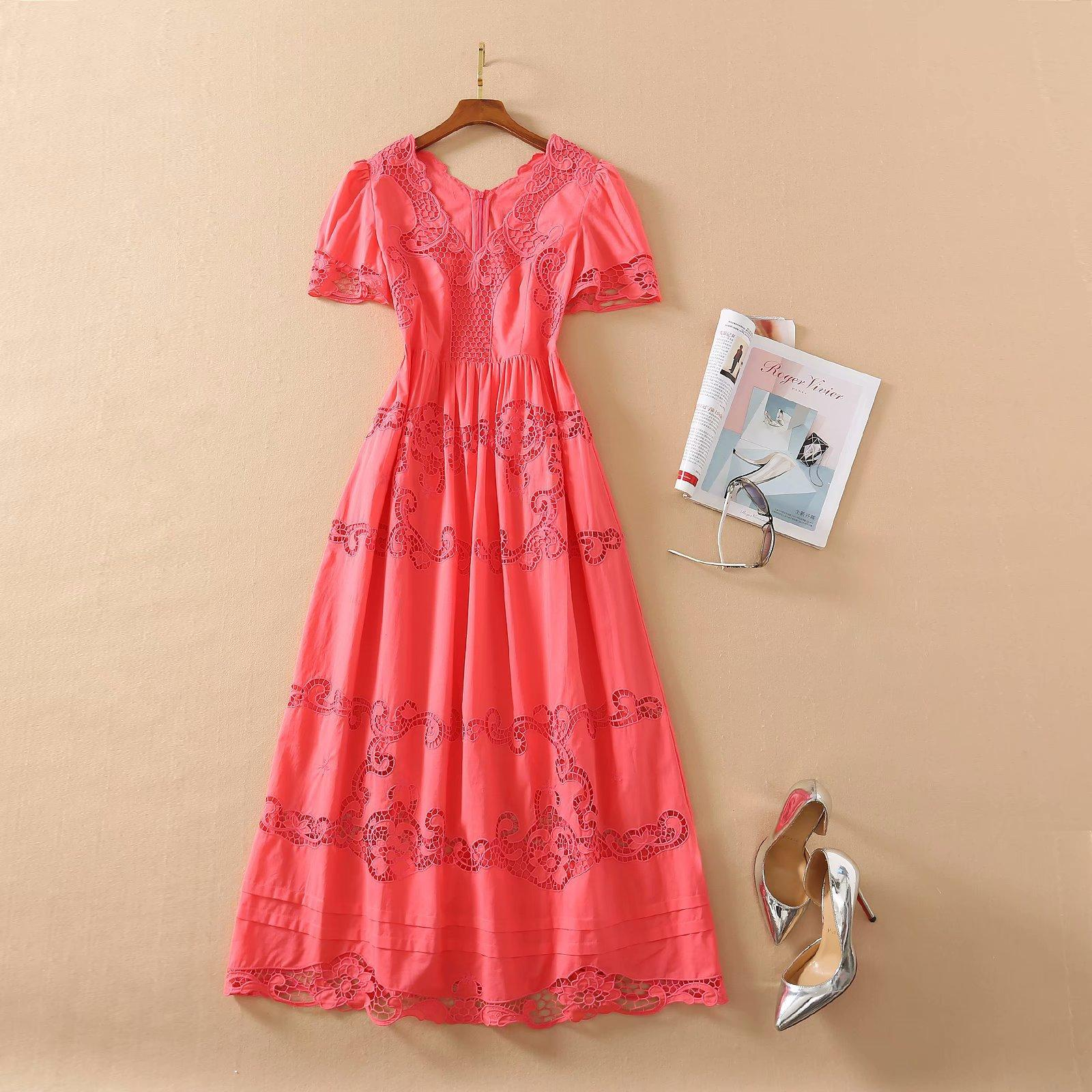 2021 Frühling Kurzarm V-Ausschnitt Aushöhlen Mailand Runway Dress Designer Kleid Marke Gleiche Stil Kleid 12.705