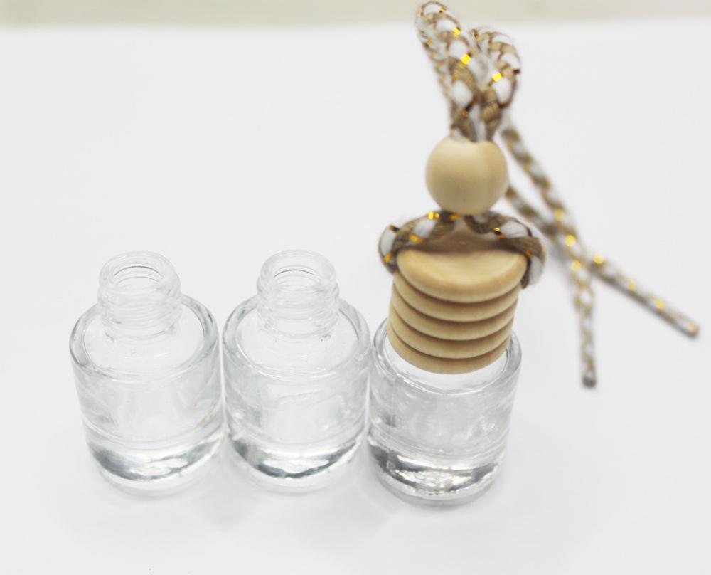 Mode bouteille de parfum pour voiture Huiles Essentielles Hanging Bouteille en verre Désodorisant parfum Container Pendentif Ornements de voiture-style