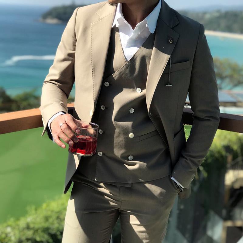 Yeni Custom Made Haki Smokin Erkekler Takım Elbise 3Pieces (Ceket + Pantolon + Yelek + Tie) Düğün Mens Suits Tek Düğme Damat Erkekler Suits