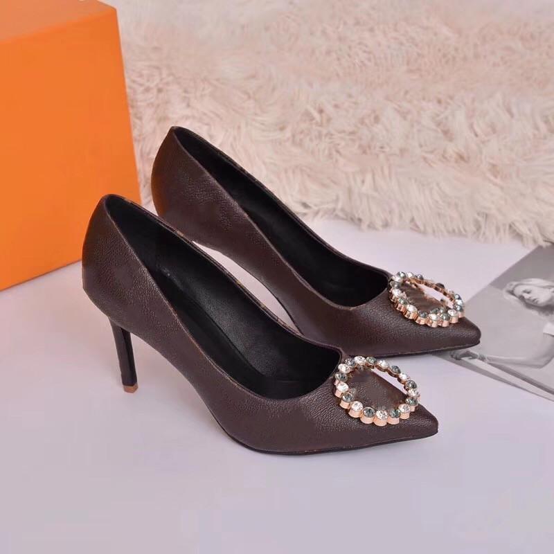 Nuovo Designer di alta qualità Party Scarpe da sposa Sandali di lusso Sandali Signore Moda Sexy Dress Sexy High Heel Shoes Shoes Wregett